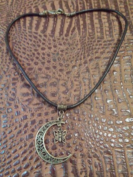 Colar De Couro Pingente Formato De Lua/ Bronze Envelhecido