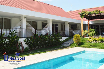 Espectacular Home In Antón - $445,000