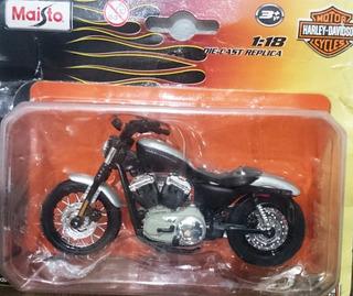Miniatura Harley Davidson Nightster 1:18 + Poster - Maisto