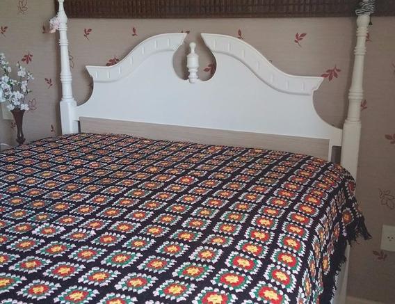 Colcha Em Crochet Feita A Mão. Tamanho 2,05m X 1,60m
