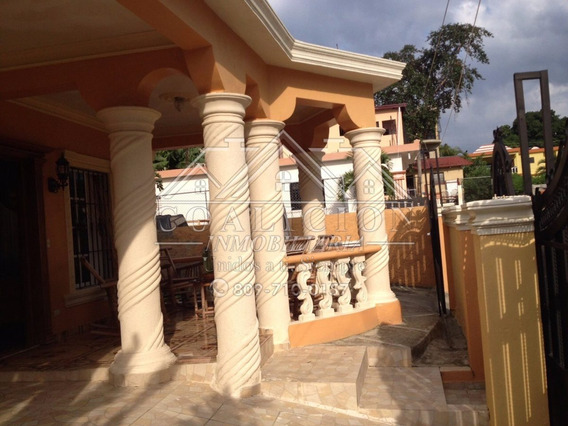 Coalición Vende Casa En Medina En Jarabacoa 250 Mts2