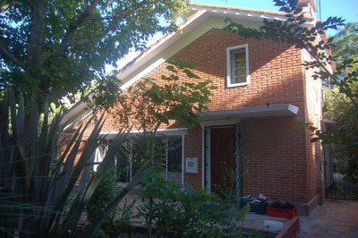 Casa Bien Hecha En Atlántida Con 2 Apartamentos En El Fondo