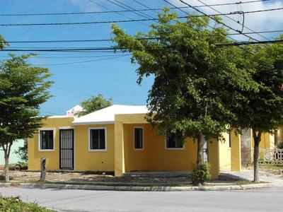 Vendo Casa En Pueblo Bavaro Barata!!!!!