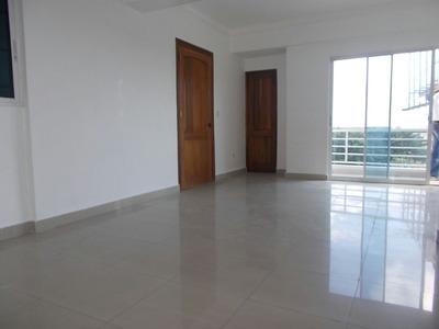 Vendo Apartamento Zona Universitaria 3h 143mts 6to. Piso