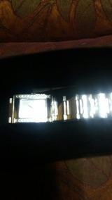Reloj Metálico De Plata Y Cordones Fino Y Elegante Fino De M