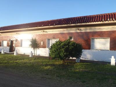 Casa De 2 Dormitorios ,2 Baños Cocina Grandes Parrillero