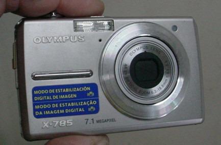 Camera Digital Olympus 7.1 Mega Pixels / Com Defeito...