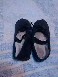 Zapatillas De Media Punta Talle 30 En Negro