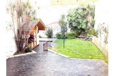 Chalet De 7 Amb. En 4 Plantas + Quincho + Parque