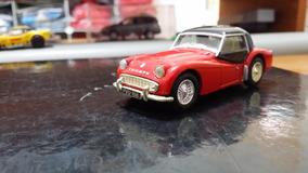 Linda Miniatura Corgi Triumph - Vejam A Foto !!!