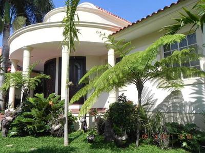Casa En Venta En Cuesta Hermosa Iii Id 248