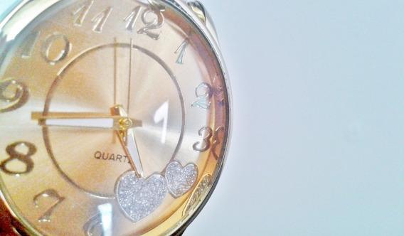 Relógio Dourado - Com Corações