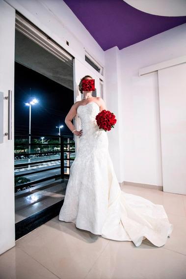 Vestido De Noiva Modelo Sereia - Acompanha Vel E Coroa.