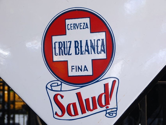Mesa Antigua De Cerveza Cruz Blanca Lámina Porcelanizada