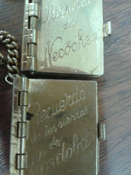Antiguo Llavero Postal Librito
