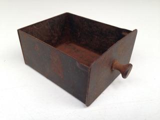 Antiga Gavetinha Em Ferro Organizador Peças Artesanato
