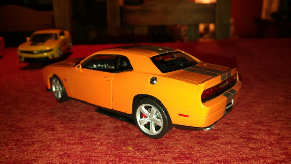 Dodge Challenger 1/24 Welly Solo Lo Abri En Caja Impecable