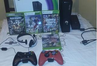 Xbox 360 Slim - 2 Joysticks, Accesorios Y Juegos - Oferta