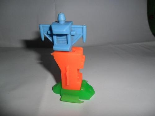 Nave Transformer Encastre Retro Robot Miniatura Juguete