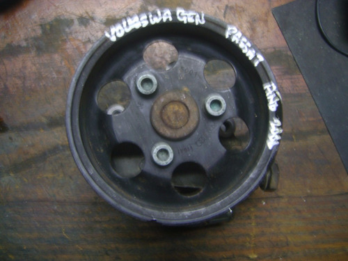 Vendo Bomba De Power Steering Vw Passat, # 8d0 145 156 L