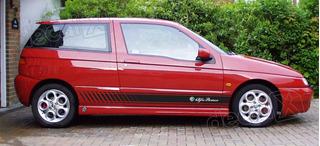 Adesivo Emblema Faixa Alfa Romeo 145 Lateral Imp2