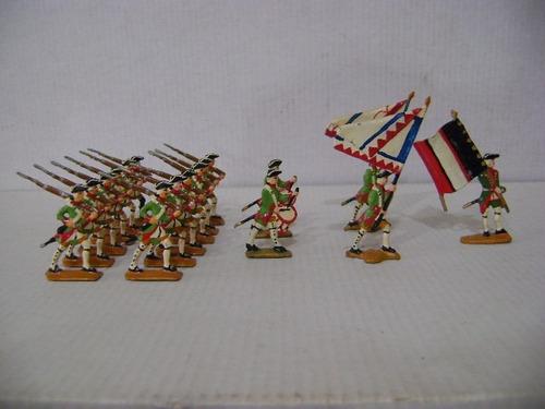 Imagen 1 de 6 de Nico Increible Desfile Militar 17 Soldados De Plomo (pmv 43)