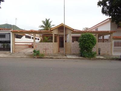 H.a Casa En Venta En El Trigal Sur