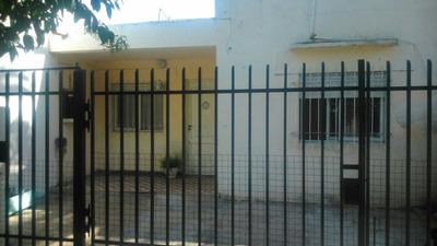 Casa A La Venta , Barrio Marilo .-