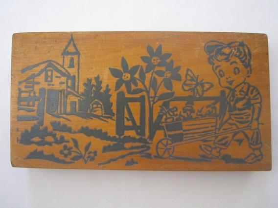 Caixa Antiga De Madeira