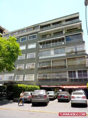 Venta Apto Cercano Plaza Altamira,1 Hab,1 Baño,1 Puesto