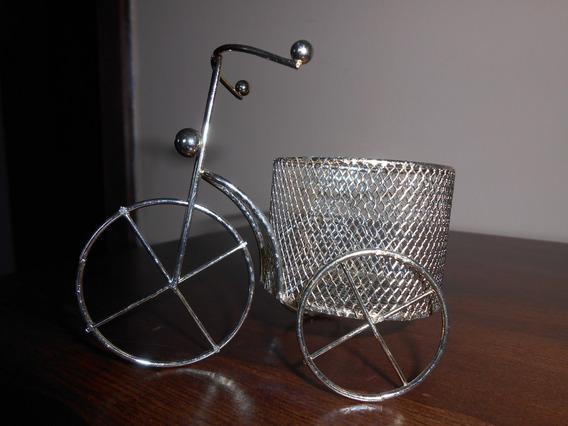 Triciclo Aramado Porta Trecos
