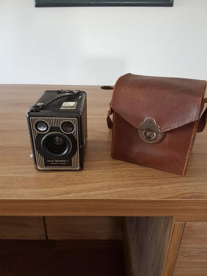 Máquina Fotográfica Six-20 Brownie E