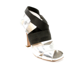 Zapatos Plateados Con Negro Prada
