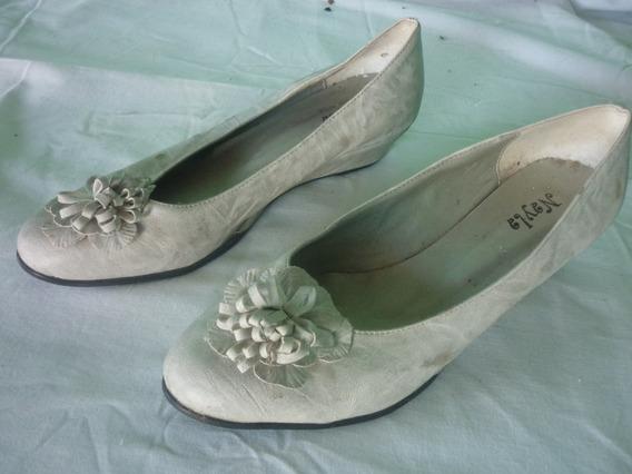 Zapatos Blancos Taco Chino De 4 Cm Con Flor
