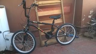 Bicicleta Bmx Muy Poco Uso..impecable.