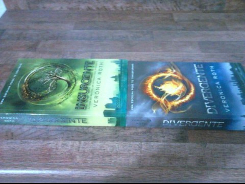 Livros Divergente E Insurgente.