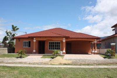 Casa En El Centro De La Ciudad De Jarabacoa Epkasa (rmc-101)