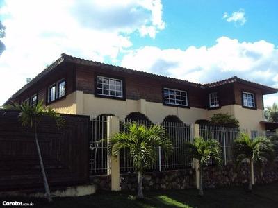 Casa De Campo, Cerca De La Ciudad