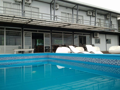 Alojamiento En Salto Con Vista Panoramica Del Rio