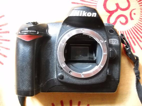 Camera Nikon D70 - Corpo - 6000 Cliques