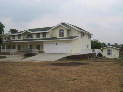 H.a Casa En Venta En Santa Isabel