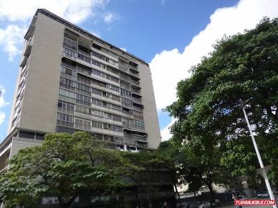 Oficina En Venta En Caracas, Los Chaguaramos