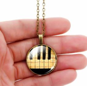 Colar Unissex Cabochão Piano Clave Notas Musicais Partitura