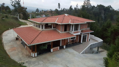 Se Vende Finca En Rionegro De 400 Mts Construidos
