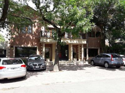 Casa En 2 Plantas 320 M2 Galeria, Pileta Y Jardín. 15 Años