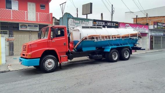 Caminhão - Fossa - Mercedes - 1620 - Ano 2002 - 12000 Lts.
