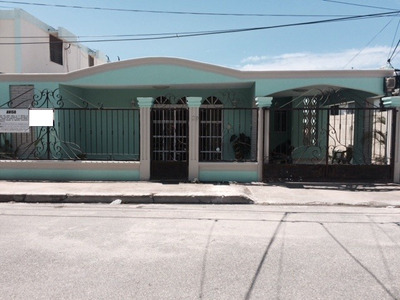 Casa De 4habs. 2baños, 2pq, San Pedro De Macoris