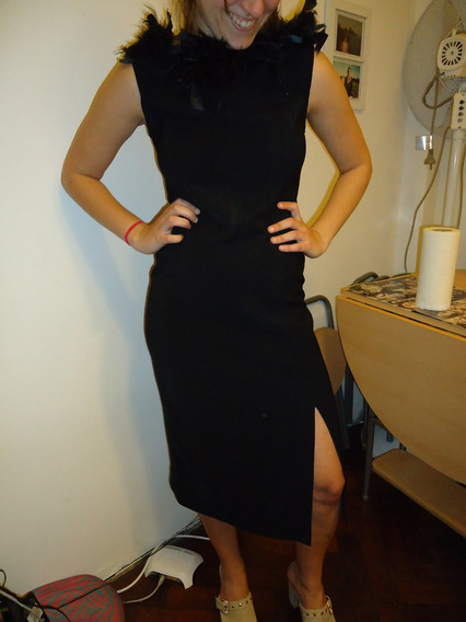 Vestido Largo Negro Con Plumas Negras G. Campomar
