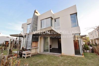 Fantástica Casa En Barrio Privado Greens, Arq. Carlos Ott