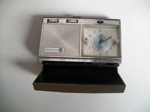 Imagen 1 de 4 de  Antigua Radio Westinghouse Travel Clock